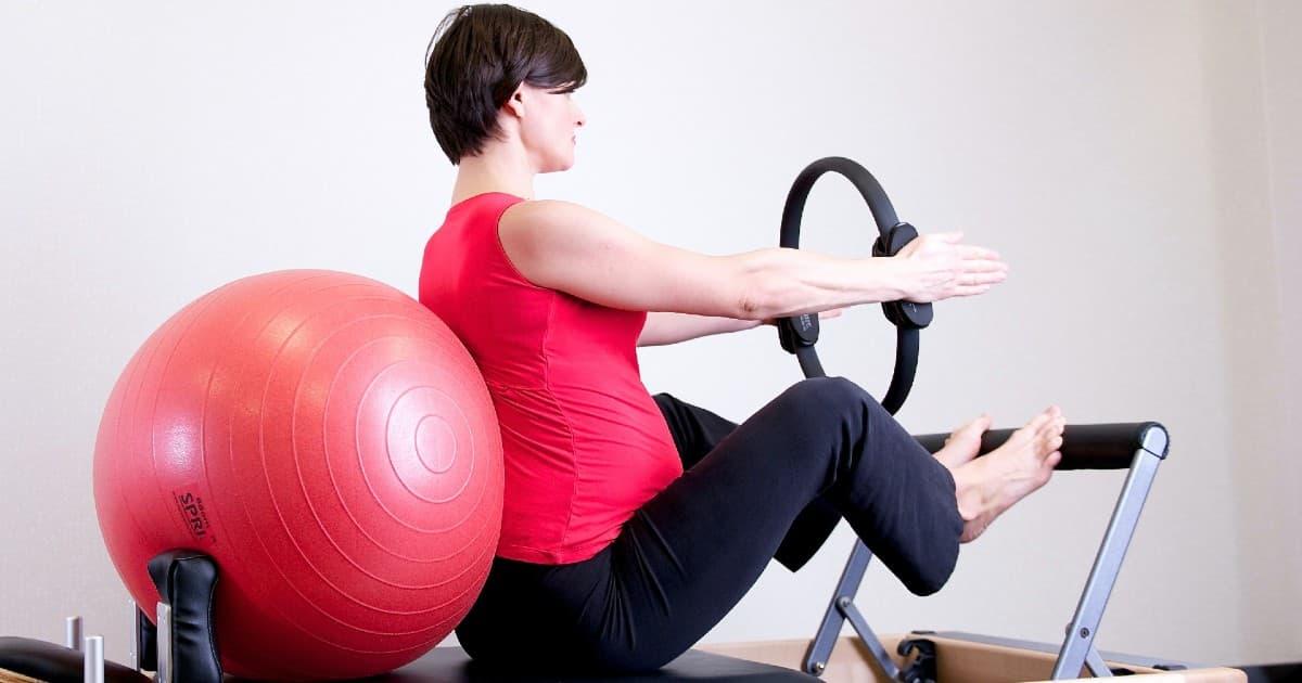 Se recomienda practicar deporte durante el embarazo para mejorar la salud materno-fetal